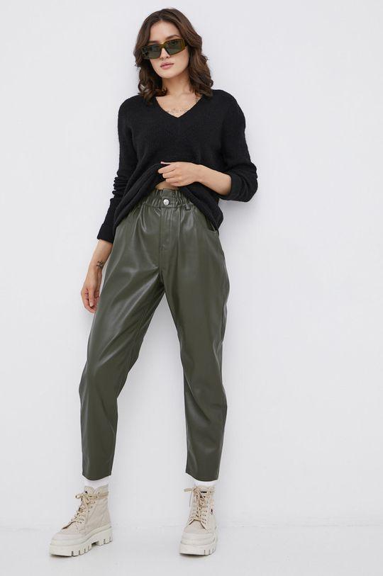 Vero Moda - Sweter z domieszką wełny czarny
