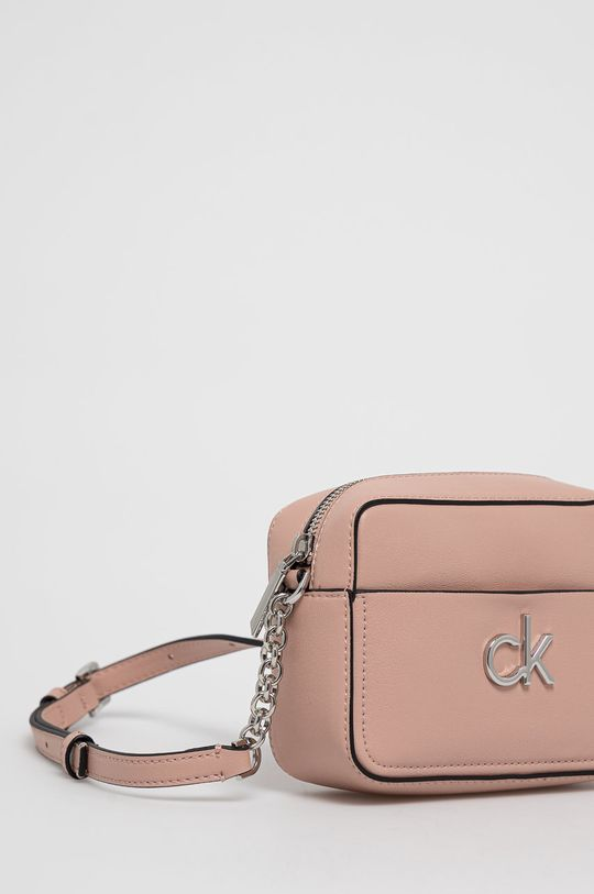 Calvin Klein - Kabelka  25% Polyester, 51% Polyvinyl , 24% Iná látka