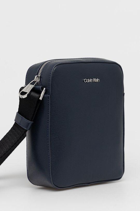 Calvin Klein - Saszetka 25 % Poliester, 51 % Poliwinyl, 24 % Inny materiał