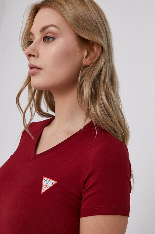 mahoniowy Guess - T-shirt
