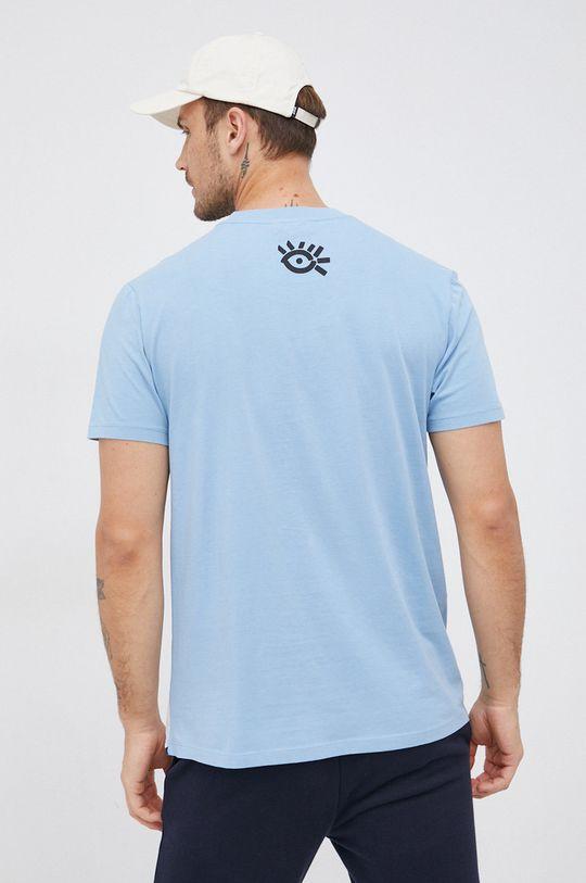 Desigual - Bavlněné tričko  100% Bavlna Pokyny k praní a údržbě:  prát v pračce při teplotě 30 stupňů, nelze sušit v sušičce, nebělit, žehlit na střední teplotu