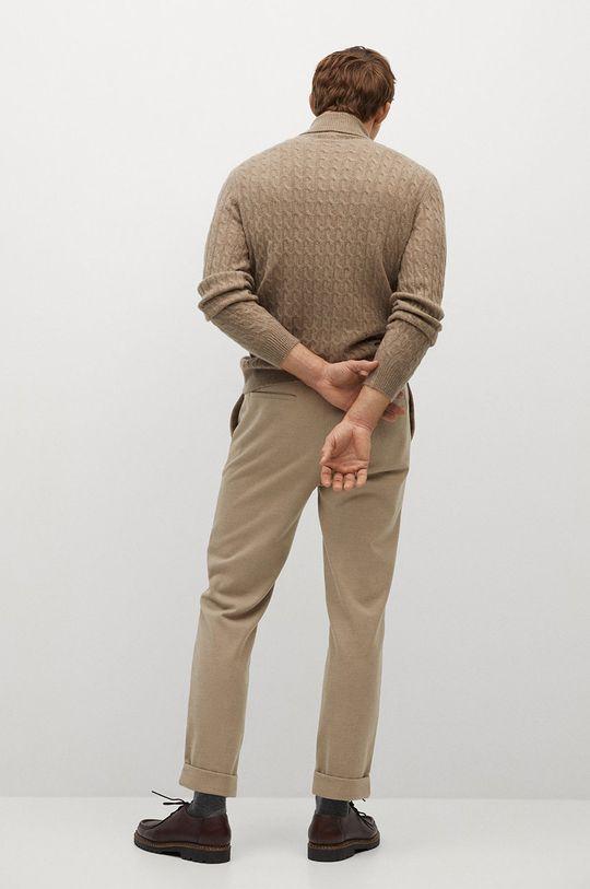 Mango Man - Spodnie SIRHAN Materiał zasadniczy: 1 % Elastan, 64 % Poliester, 35 % Wiskoza, Podszewka kieszeni: 100 % Bawełna