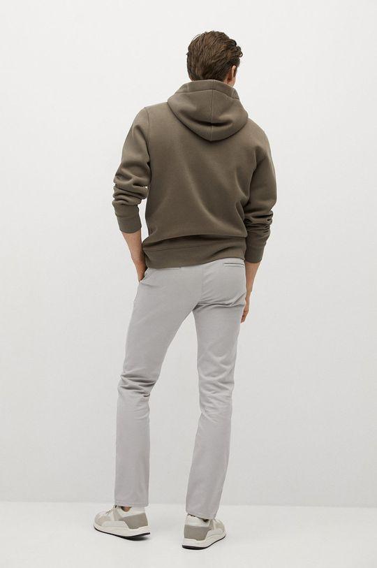 Mango Man - Kalhoty BARNA  Hlavní materiál: 97% Bavlna, 3% Elastan Podšívka kapsy: 100% Bavlna