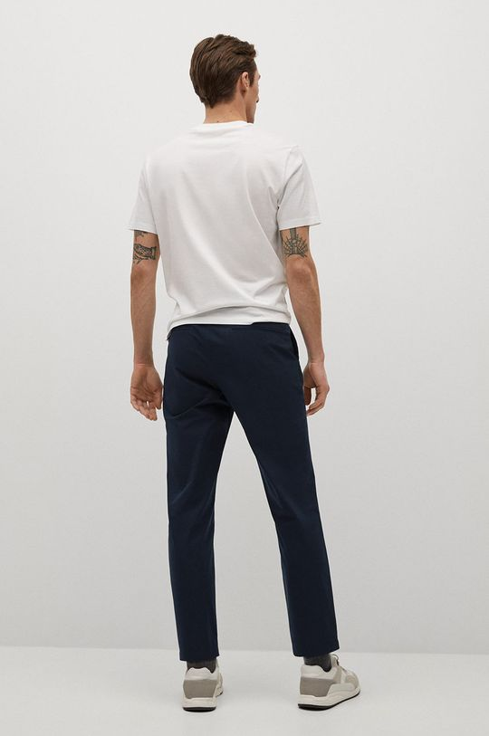 Mango Man - Spodnie BOLOGNA Materiał zasadniczy: 100 % Poliester, Podszewka kieszeni: 35 % Bawełna, 65 % Poliester