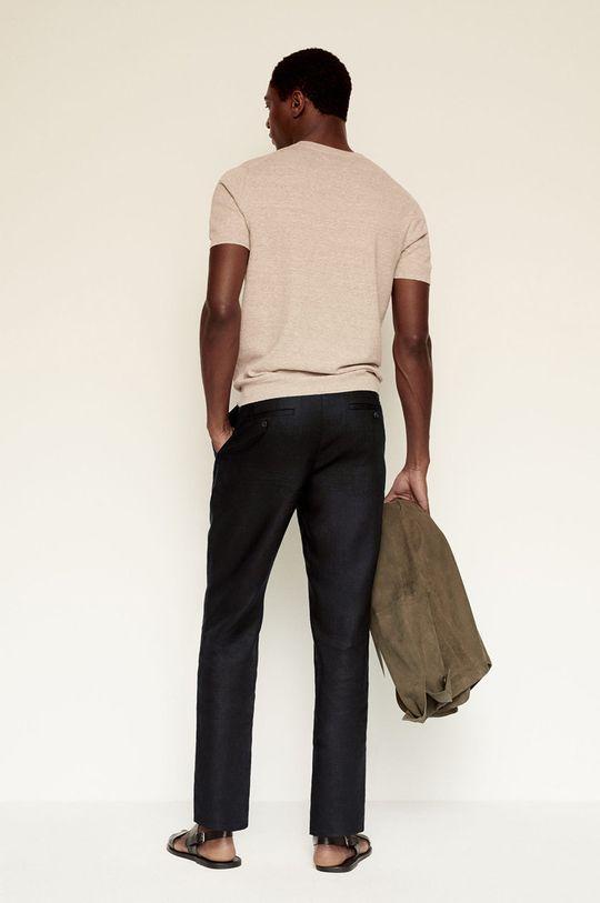 Mango Man - Pantaloni Flak  Materialul de baza: 100% In Captuseala buzunarului: 35% Bumbac, 65% Poliester