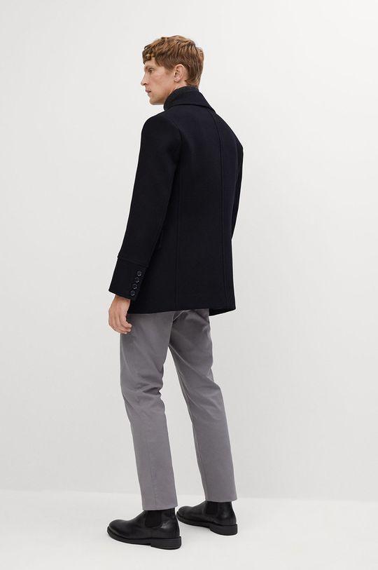 Mango Man - Kabát TINOF  Podšívka: 55% Polyester, 45% Viskóza Hlavní materiál: 47% Polyester, 53% Vlna Podšívka kapsy: 20% Bavlna, 80% Polyester Podšívka rukávů: 100% Polyester