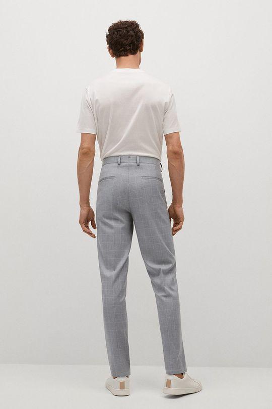 Mango Man - Kalhoty PAULO  Hlavní materiál: 2% Elastan, 69% Polyester, 29% Viskóza Podšívka kapsy: 35% Bavlna, 65% Polyester