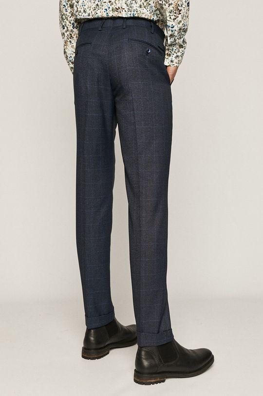 Medicine - Pantaloni Comfort Classic  Captuseala: 40% Bumbac, 60% Poliester  Materialul de baza: 2% Elastan, 69% Poliester , 29% Viscoza