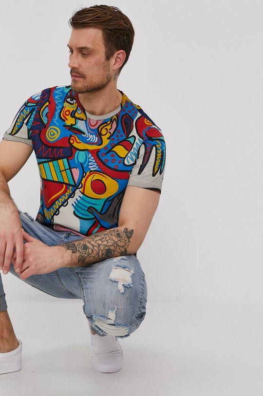 "Medicine - T-shirt by ""Krabonszcz"" – Nikodem Szewczyk, Grafika Polska multicolor"