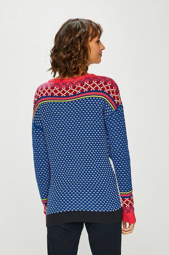 Medicine - Пуловер XMASS  Основен материал: 40% Акрил, 60% Памук