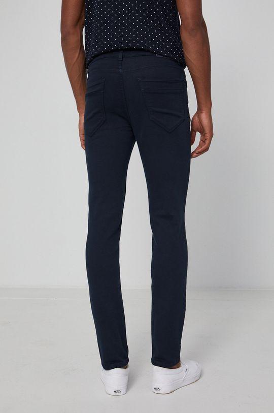 Medicine - Pantaloni Denim  Captuseala: 100% Bumbac Materialul de baza: 77% Bumbac, 2% Elastan, 21% Poliester