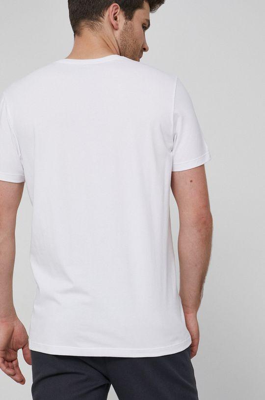 Medicine - T-shirt Basic <p>T-shirtybiały/ granatowy/ czarny/ zielone:95 % Bawełna, 5 % Elastan  T-shirty niebieski/ beżowy/ czerwony/ turkusowy: 57% Bawełna, 38% Poliester, 5% Elastan</p>