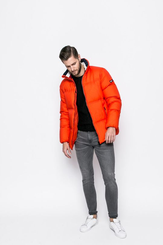 Tommy Jeans - Пухено яке оранжев