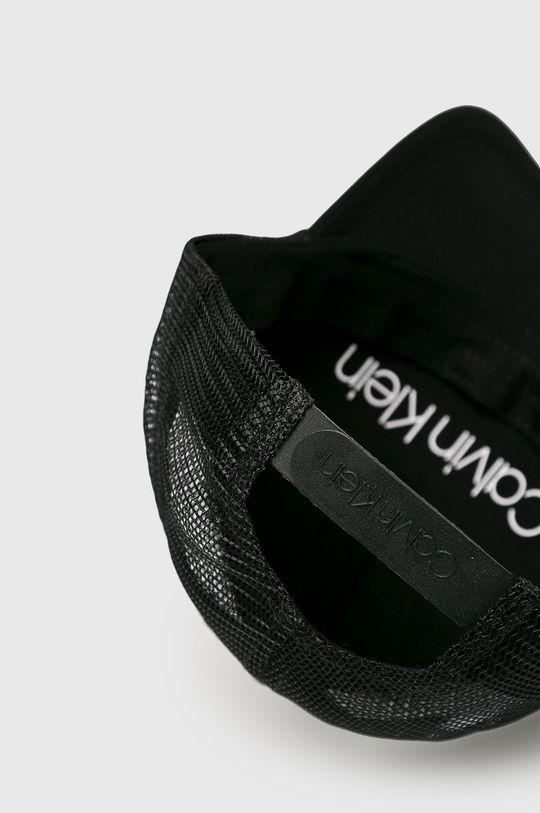 Calvin Klein - Čepice  Hlavní materiál: 100% Polyester
