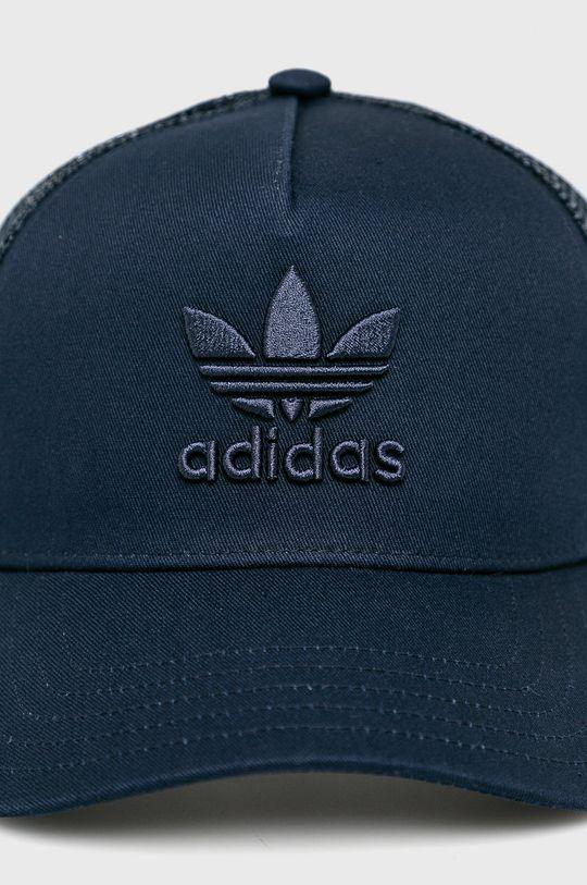 adidas Originals - Čepice  Podšívka: 20% Bavlna, 80% Polyester Materiál č. 1: 100% Polyester Materiál č. 2: 100% Bavlna