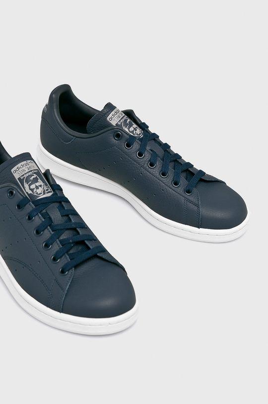 adidas Originals - Topánky Stan Smith <p>Zvršok: Textil, Prírodná koža Vnútro: Syntetická látka, Textil Podrážka: Syntetická látka</p>