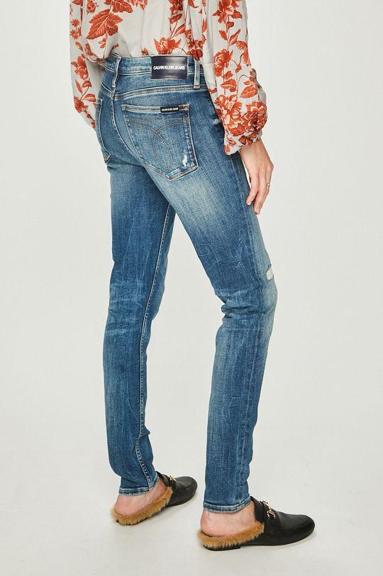 Calvin Klein Jeans - Džíny Hlavní materiál: 95% Bavlna, 2% Elastan, 3% elastomultiester