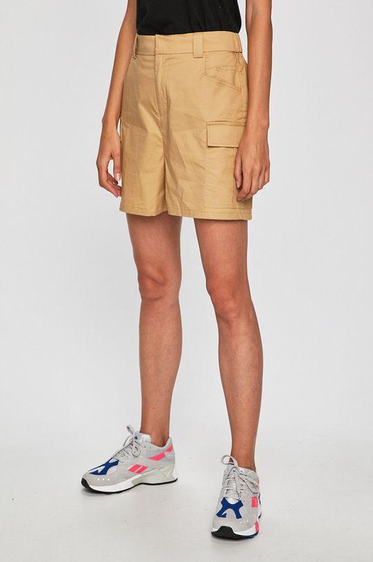 culoarea tenului Glamorous - Pantaloni scurti De femei