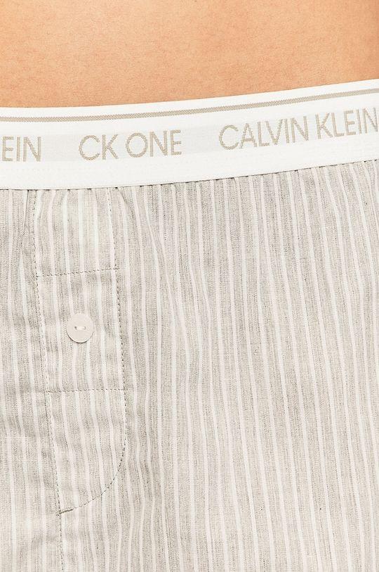Calvin Klein Underwear - Pantaloni scurti de pijama Materialul de baza: 100% Bumbac banda elastica: 15% Elastan, 69% Nailon, 16% Poliester