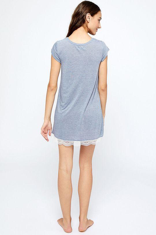 Etam - Noční košile Warm Day  Hlavní materiál: 50% Polyester, 50% Viskóza Ozdobné prvky: 12% Elastan, 88% Polyamid