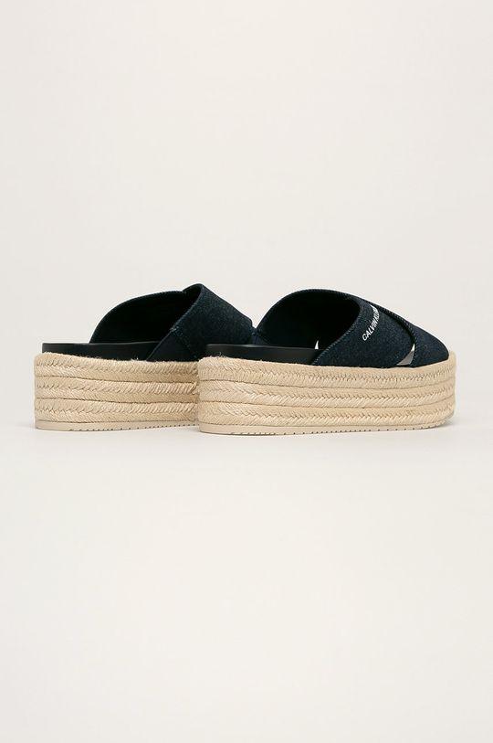 Calvin Klein Jeans - Šľapky  Zvršok: Textil Vnútro: Syntetická látka Podrážka: Syntetická látka