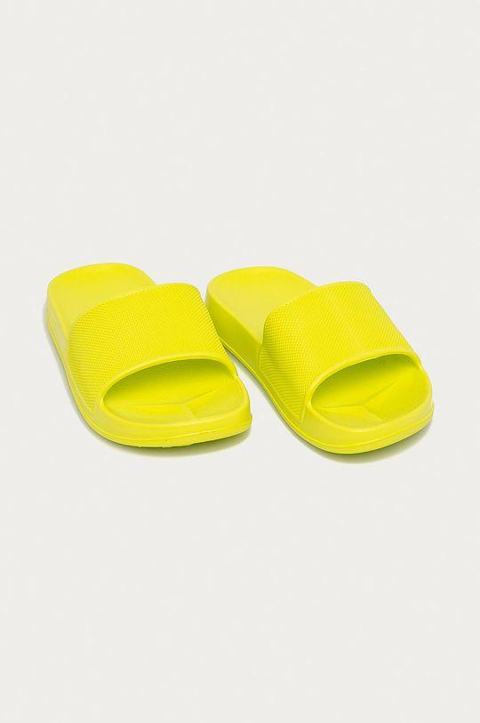 Coqui - Dětské pantofle žlutě zelená