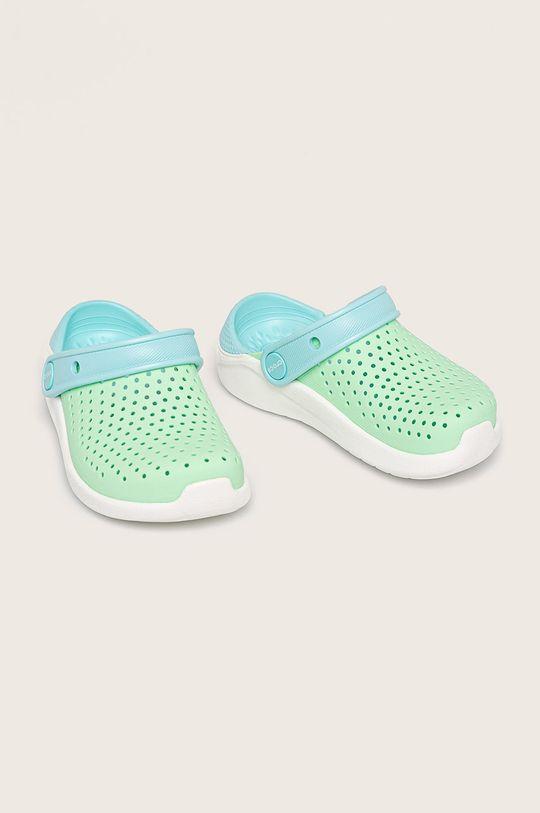 Crocs - Kožené šľapky svetlozelená