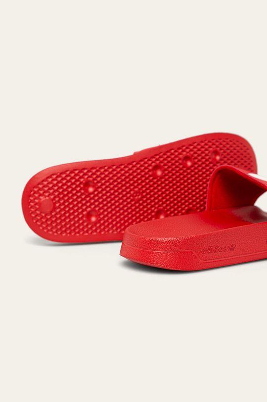 červená adidas Originals - Šľapky