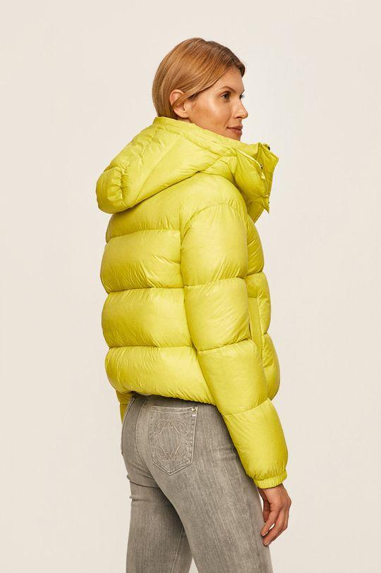 Patrizia Pepe - Péřová bunda  Podšívka: 100% Polyamid Výplň: 10% Peří, 90% Kachní chmýří Hlavní materiál: 100% Polyamid Jiné materiály: 100% Polyester
