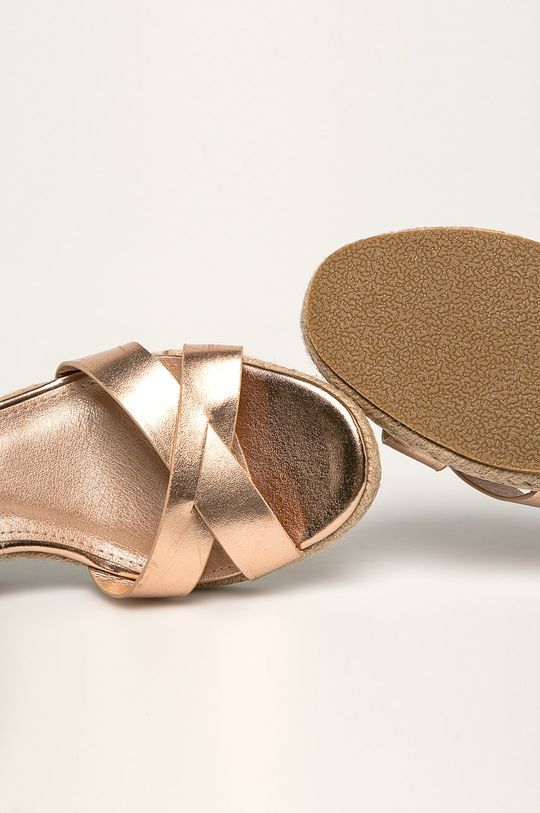 starorůžová Truffle Collection - Sandály