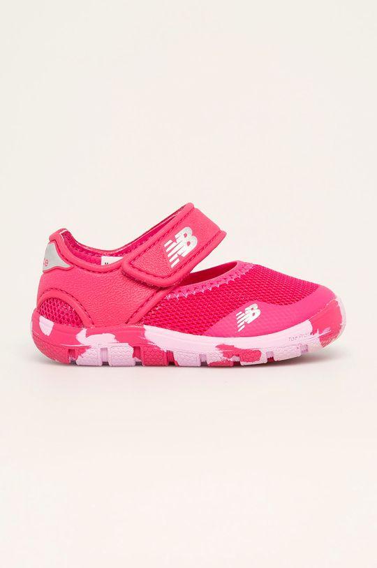 ostrá růžová New Balance - Dětské sandály IO208MG2 Dívčí