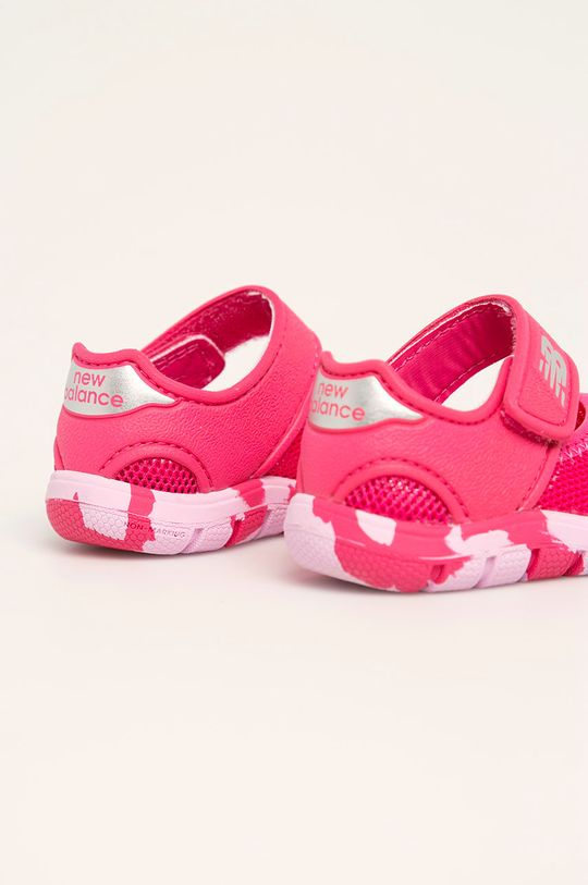 New Balance - Dětské sandály IO208MG2 Svršek: Umělá hmota, Textilní materiál Vnitřek: Umělá hmota Podrážka: Umělá hmota