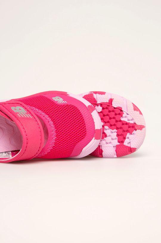 ostrá růžová New Balance - Dětské sandály IO208MG2