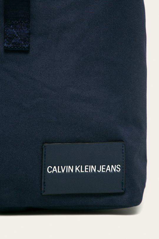 Calvin Klein Jeans - Batoh námořnická modř