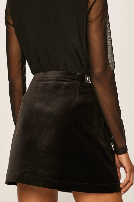 Calvin Klein Jeans - Fusta 62% Bumbac, 2% Elastan, 36% Poliester