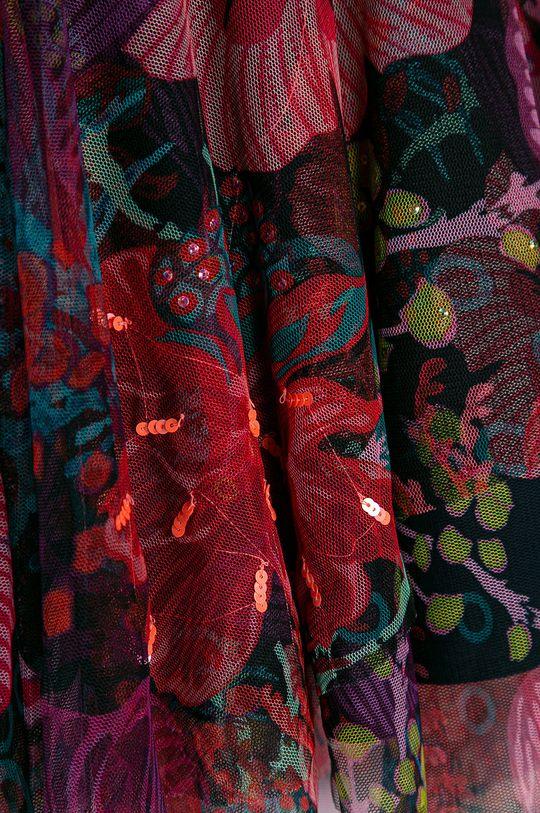 Desigual - Dievčenská sukňa 104-164 cm  Podšívka: 100% Bavlna Základná látka: 100% Polyester Pokyny na ošetrovanie :  Nesmie sa chemicky čistiť, prať v pračke pri teplote 30 stupňov, nesmie sa sušiť vbubnovej sušičke , nesmie sa bieliť, žehliť pri priemernej teplote