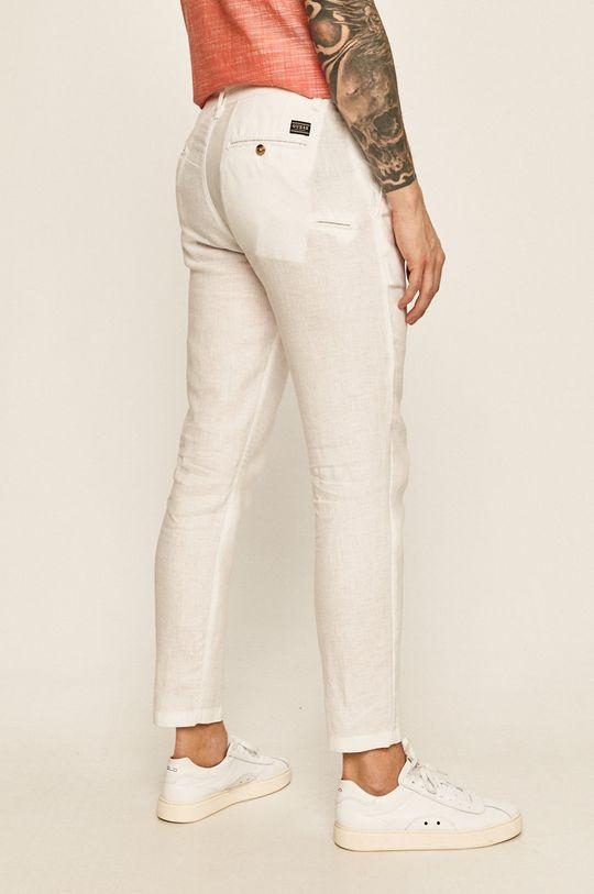 Guess Jeans - Nohavice  Podšívka: 40% Bavlna, 60% Polyester Základná látka: 100% Ľan