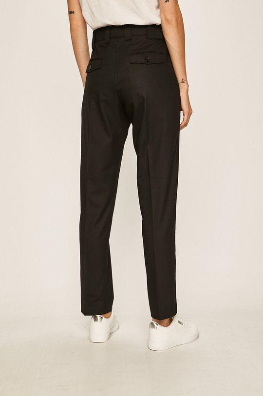Calvin Klein - Kalhoty Podšívka: 35% Bavlna, 65% Polyester Hlavní materiál: 5% Elastan, 65% Polyester, 30% Viskóza