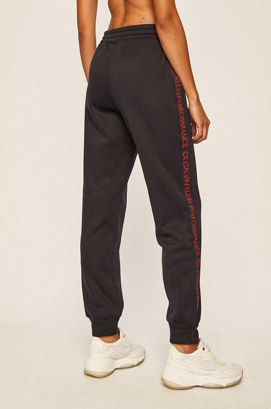 Calvin Klein Performance - Kalhoty  Vnitřek: 99% Polyester, 1% Viskóza Hlavní materiál: 100% Polyester
