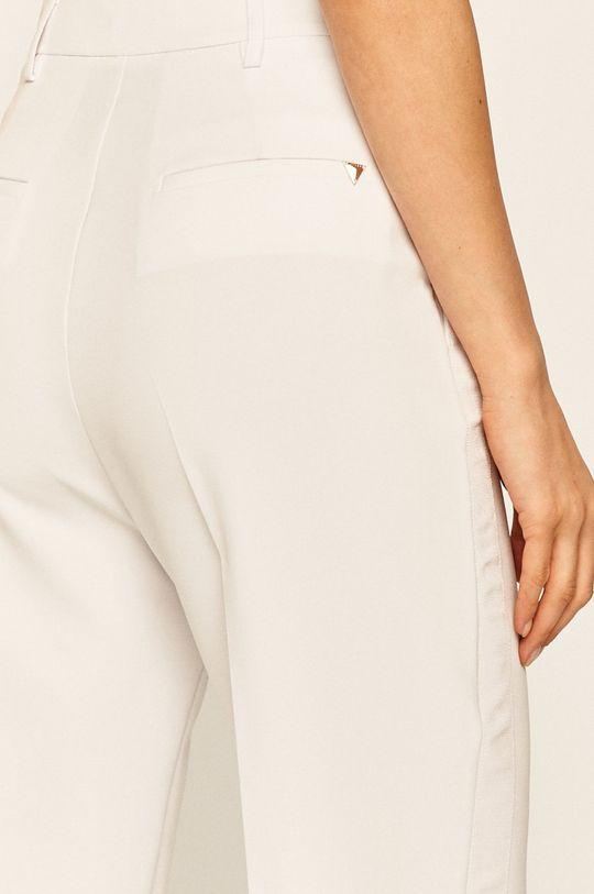alb Guess Jeans - Pantaloni