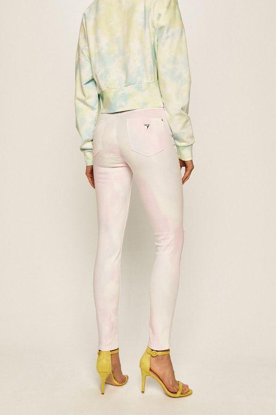 Guess Jeans - Džíny 1981  Podšívka: 18% Bavlna, 2% Elastan, 80% Polyester Hlavní materiál: 78% Bavlna, 2% Elastan, 15% Lyocell, 5% Polyester