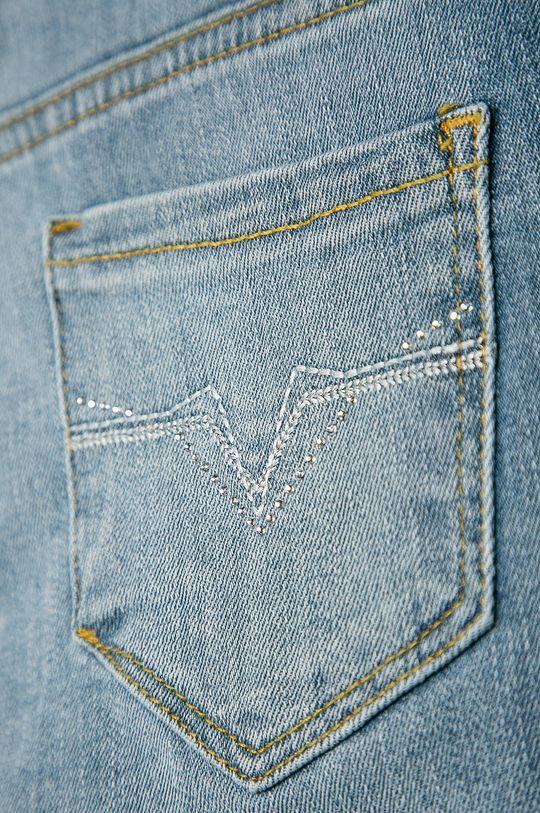 Guess Jeans - Dětské rifle 125-175 cm Hlavní materiál: 99% Bavlna, 1% Elastan Podšívka kapsy: 45% Bavlna, 55% Polyester