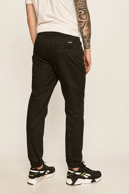 Calvin Klein - Kalhoty 59% Bavlna, 5% Elastan, 36% Polyester