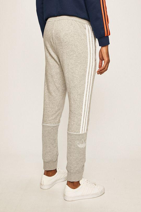 adidas Originals - Kalhoty Hlavní materiál: 77% Bavlna, 23% Recyklovaný polyester Materiál č. 1: 52% Bavlna, 48% Recyklovaný polyamid Stahovák: 95% Bavlna, 5% Elastan