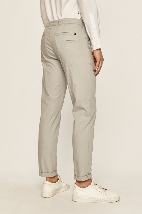 Tommy Hilfiger Tailored - Kalhoty  Hlavní materiál: 81% Bavlna, 2% Elastan, 17% Polyester Podšívka kapsy: 100% Bavlna
