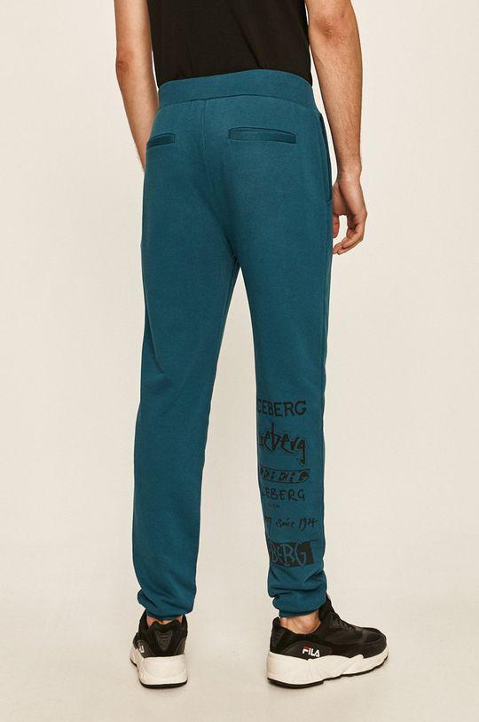 Iceberg - Pantaloni Materialul de baza: 90% Bumbac, 10% Poliester  Alte materiale: 100% Bumbac