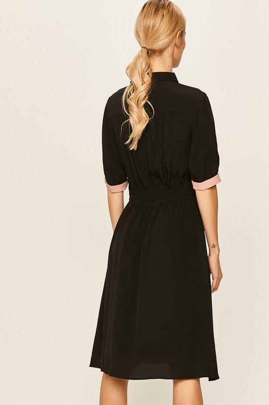 Calvin Klein - Šaty Podšívka: 100% Polyester Hlavní materiál: 100% Viskóza