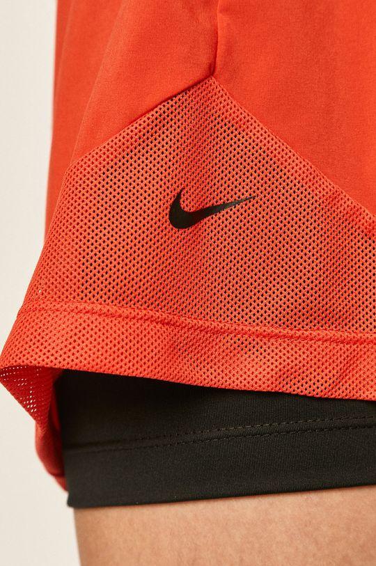 ostrá červená Nike - Kraťasy