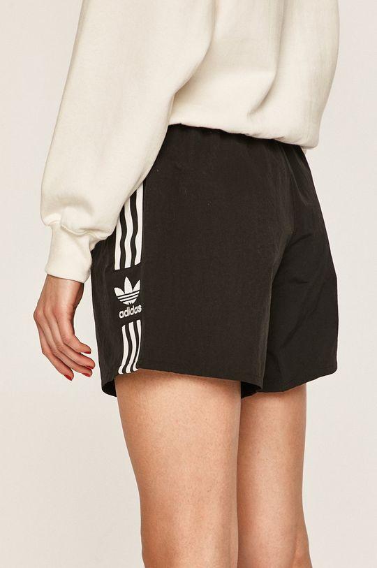 adidas Originals - Kraťasy  Podšívka: 100% Recyklovaný polyester Hlavní materiál: 100% Nylon