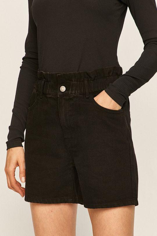 černá Vila - Džínové šortky Dámský